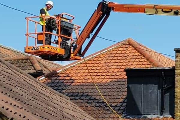 Roof cleaning service London